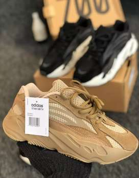c0e70a63d35 Yeezy 700 New Sneakers