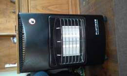 Gas heater like new with 9 kg gas bottle