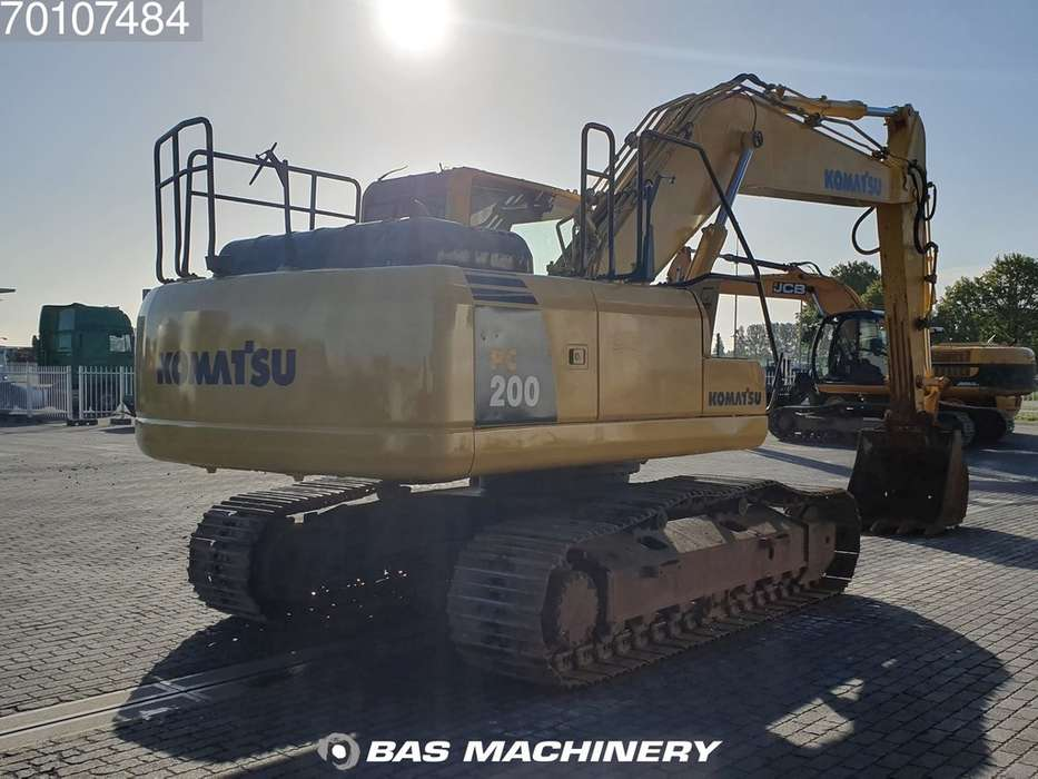 Komatsu PC200-8 Nice and clean condition - 2016 - image 5