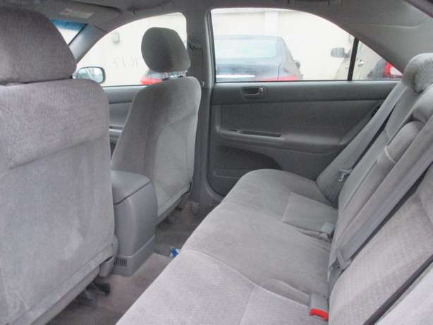 Very Clean Toyota Camry 03, Tokunbo Lagos Mainland - image 5