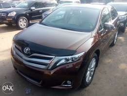 First grade 2013 Toyota venza. Limited edition. Navigation systems.