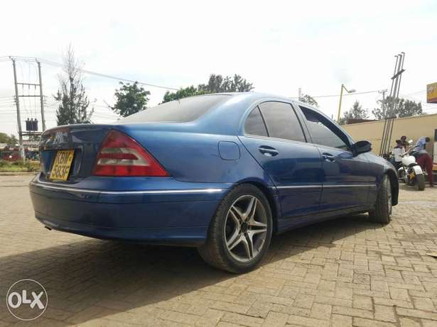 Mercedes Benz C 240 in good condition. Buy and drive Embakasi - image 4