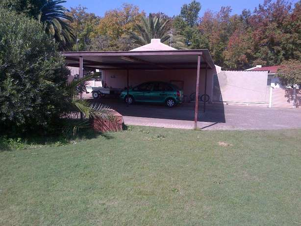 SASOLBURG Big House for Sale 4 Sale Voetstoots (As Is) for Entertainer Sasolburg - image 3