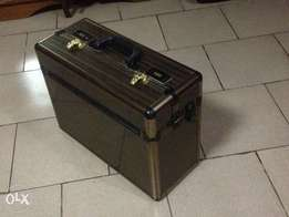 Fireproof case for valuables or certificates (7,500 naira)