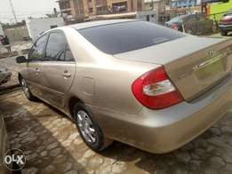 Super clean tokunbo 2004 Toyota Camry with accident free & duty paid