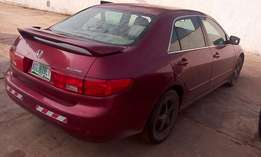 Neatly usef Honda Accord EOD 2005 for quick sale.