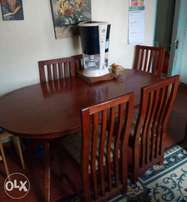Dining table + 5 seats