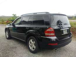 2007 Mercedes-Benz GL450 4Matic.