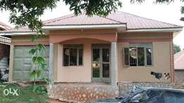 A good 3bedrooms house for sale in kibili-busabala road at 67m