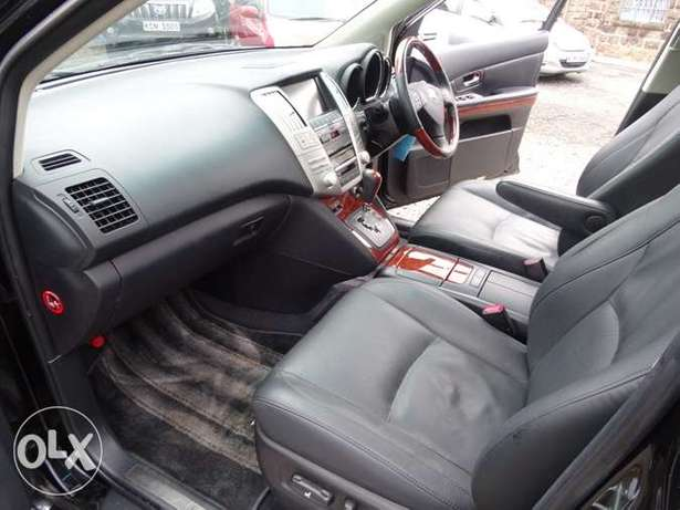 Toyota Harrier with panaromic roof 2011 model excellent condition Kilimani - image 5