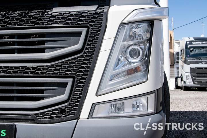 Volvo FH13 500 4x2 XL Euro 6 RETARDER - 2017 - image 7