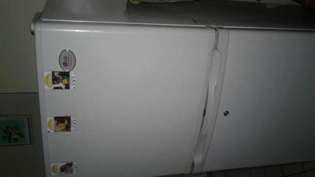 Refrigerator for sale! ! Garden - image 4