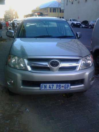 2.7 Toyota hilux Jeppestown - image 5