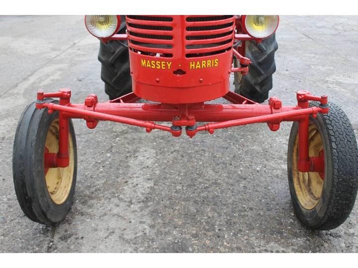 Massey Harris  Pony Benzine Tractor - 1955 - image 19