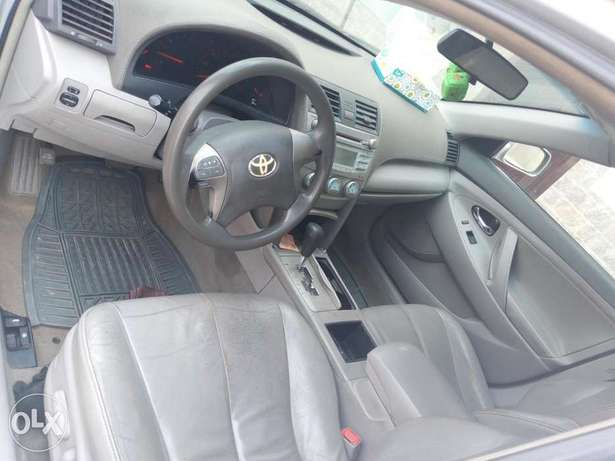 Toyota Camry silver color for sale Aja - image 7