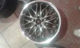 Polo 17 inch mag wheels for sale