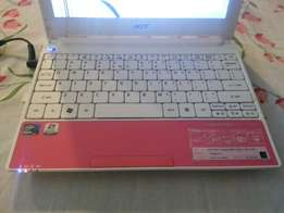 Mini Laptop for sale (Only Screen need to be replace)