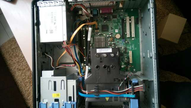 Computer sale.good condition.ideal for movie,home,games or office work Nairobi West - image 6