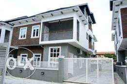 5 Bedroom Fully Detached Duplex with 1 Room Bq