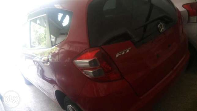 Honda fit red Mombasa Island - image 3