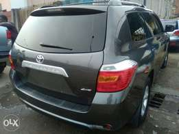 Tokunbo 2009 Toyota Highlander 3 seaters