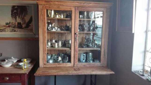 Yellow wood TOD trophy cabinet on industrial singerstand Randfontein - image 4