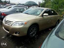 Super clean foreign used 2010 Toyota camry. Gold. Negotiable