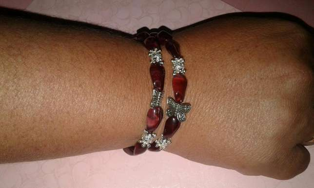 Assorted memory wire bracelets Available phone nd get urs now Alberton - image 2
