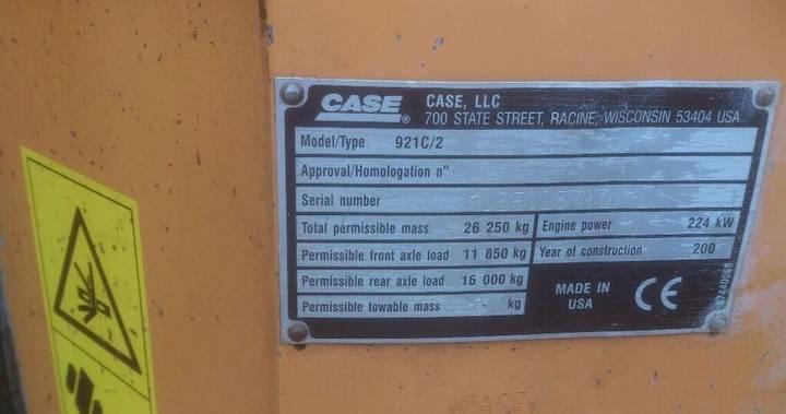Case 921 C - 2005