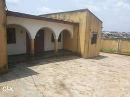 4 bedroom (en suite) and 3 other rooms BUNGALOW for sale at MEIRAN
