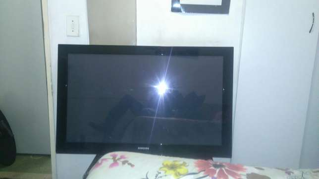 Samsung plasma display b430 42 inch in good condition Randburg - image 1