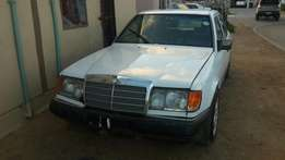 Stripping for spares . Mercedes-Benz 230E Automatic