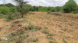 3/4 acre piece of land at matuu 200m from tarmac for commercial develo