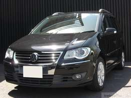 2010 Volkswagen touran 7 seater superb drive for quick sale.