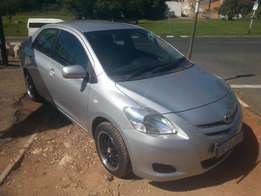 Excellent condition 2007 Toyota Yaris T3 sedan with mags