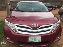 clean Toyota Venza buy and used no condition Ac chilling leather inter