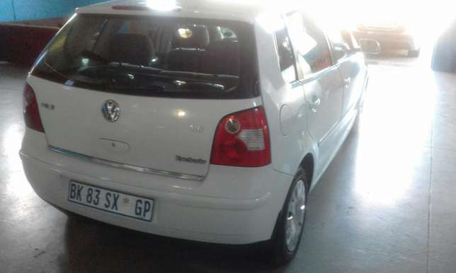 VW Polo 1.6 Hatch 186000 km R 59000 Mossel Bay - image 4