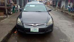 clean 2006 honda accord for grabs