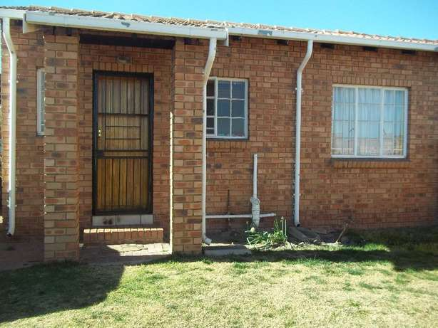 2 bedroom house to let in Tasbet (Prohousing) Witbank - image 1