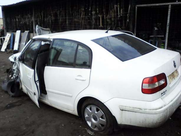 We're stripping this '08 VW Polo Classic 1.6 for spares! Empangeni - image 1