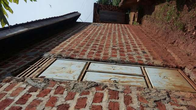 2bedrooms 1bathrooms kitchen plot 60 by 40 40ft House for sale in Kampala - image 4