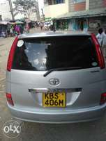 Very clean silver Toyota Isis 2010 on sale