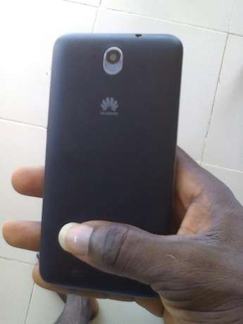 Very clean huawei android phone for sale or swap call 081,0011,8687 Ilorin - image 2