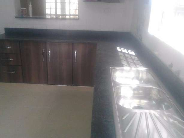Unique high Quality Kitchen Tops(Granite) for sale and fixing Industrial Area - image 6