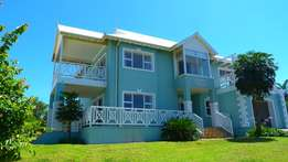 Lifestyle Home in Security Estates with Gorgeous Views - Port Edward!