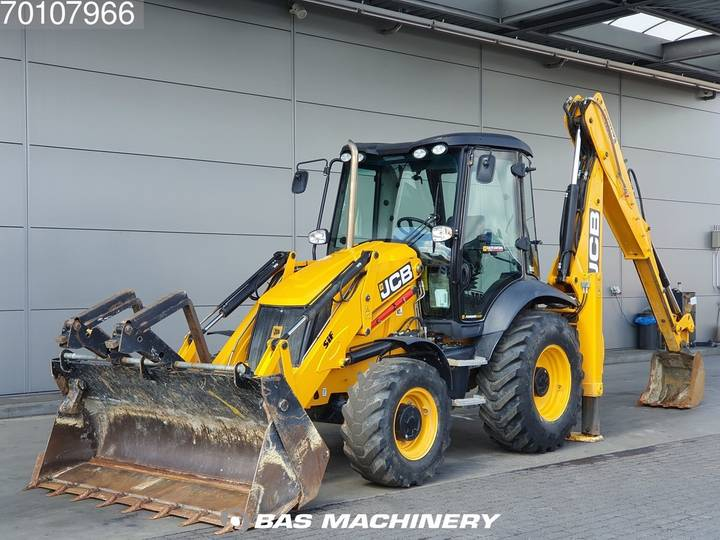 JCB 3CX LIKE NEW - LOW HOURS - 2017