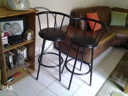 2 x bar stools in excellent condition for sale