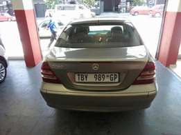 2006 Mercedes Benz C180, Color Silver, Prince R87,000.