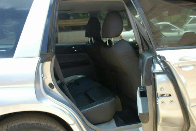 Subaru Forester year 2006 Model Kilimani - image 4