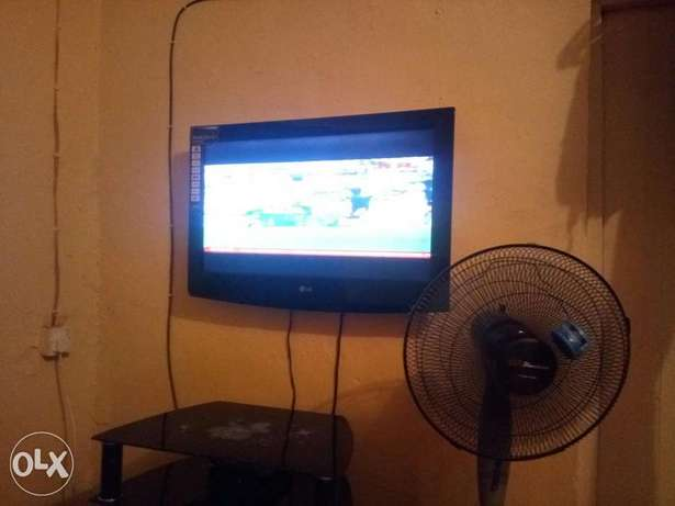 LG TELEVISION 32 inches for sale Enugu East - image 1